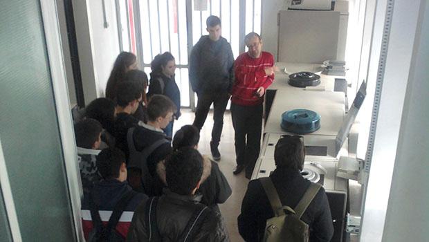Επίσκεψη της Β΄ Λυκείου στο Υπολογιστικό κέντρο του Δ.Π.Θ.