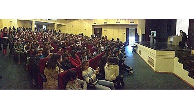 500 γονείς, συγγενείς, φίλοι και δάσκαλοι τίμησαν τους άξιους 120 μαθητές