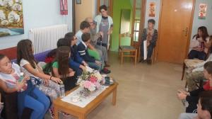 Επίσκεψη της Δ΄και Ε΄δημοτικού στο Γηροκομείο