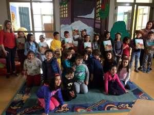 Η Α' και η Β' Δημοτικού τιμούν την Παγκόσμια Ημέρα Παιδικού Βιβλίου